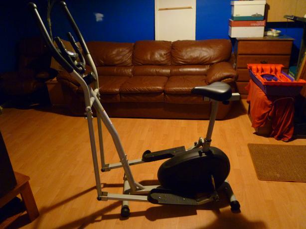 Weslo Momemtum G 3.2 Elliptical Hybrid Trainer