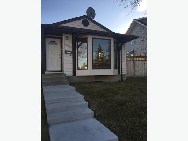 Newly Renovated House in Calgary, Washer/Dryer Included