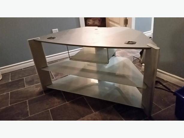 Nice Glass Sony TV stand