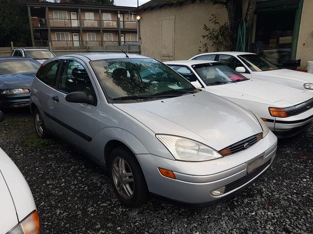 2000 Ford Focus ZX3 Low Kms 2651 Sooke Rd