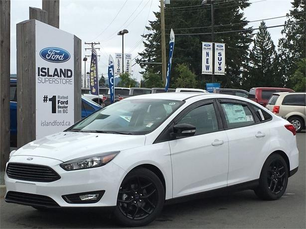 2016 Ford Focus SE Plus, Black Pack