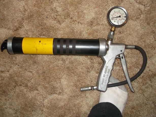 high pressure grease gun with gauge