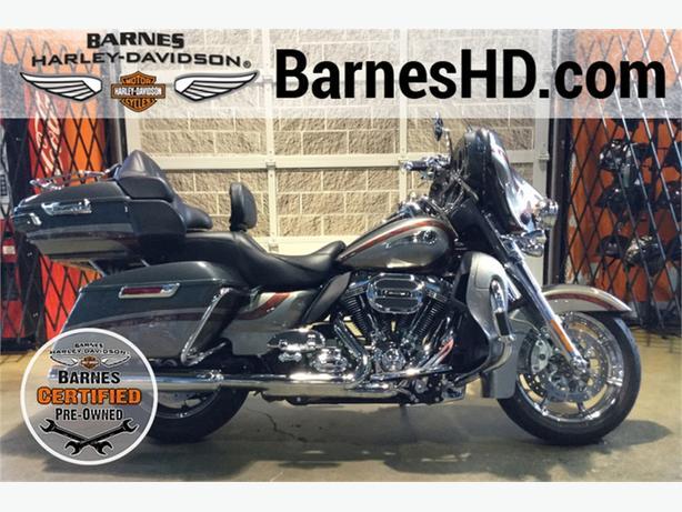 2016 Harley-Davidson® FLHTKSE - CVO™ Limited