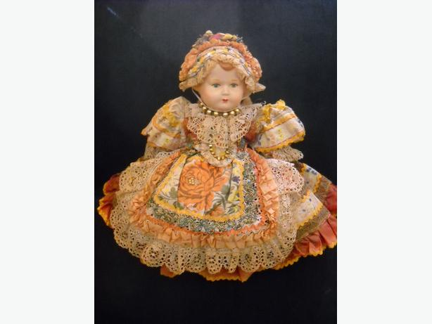 4U2C ANTQUE EUROPEAN DOLL WITH HAND MADE SIGNED FESTIVE DRESS