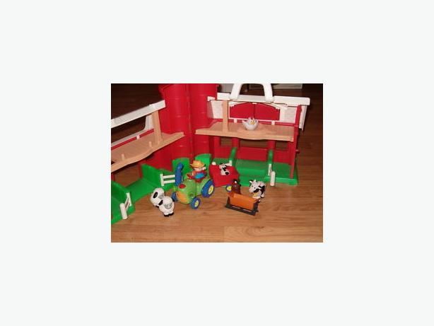 Fisher price . larger barn , farm animals, tractor
