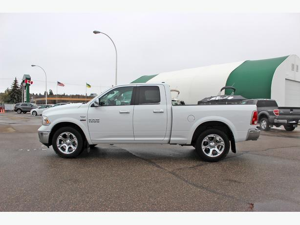 2014 Ram 1500 Laramie Quad Cab 4X4*Heated/Cooled Seats-Nav*