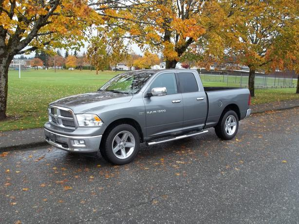 2011 DODGE RAM 1500 BIGHORN 4X4 QUAD CAB-CALL HART AT 250 724 3221
