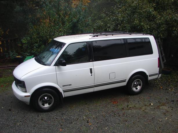 2000 GMC Safari 8 Passenger Van