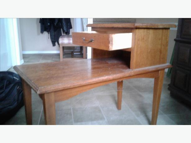 Wood end/side table