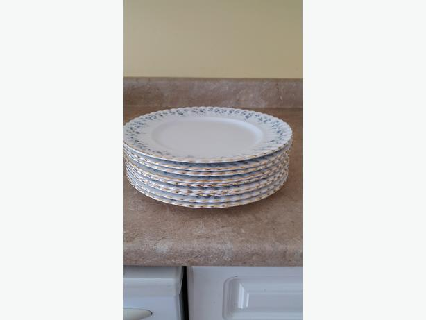 Royal Albert Memory Lane Dinner plates, set of 8