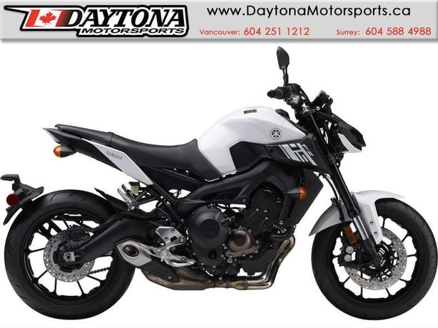 2017 Yamaha FZ-09 ABS Sport Bike  * BRAND NEW -White *