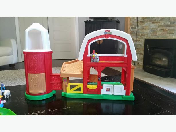 "Fisher Price ""Old School"" Farm with Animals and Tractors"