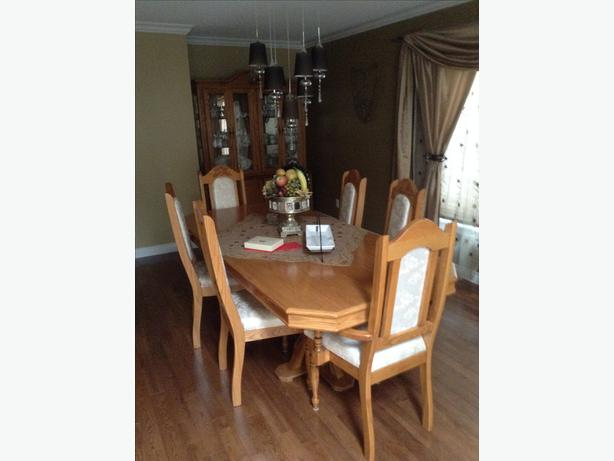 Dining room set - Table and 6 chairs