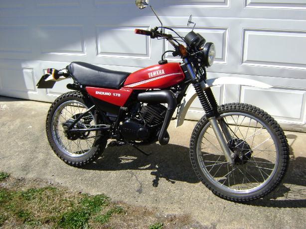 1980 YAMAHA 175cc ENDURO MOTORCYCLE