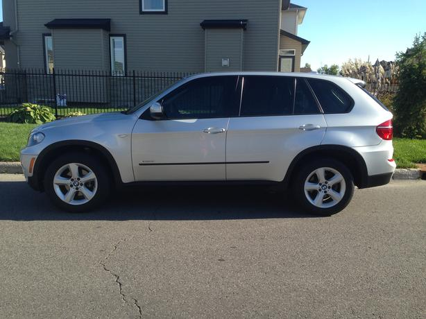 2011 BMW X5 Low Mileage!!