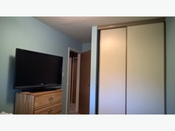 ALL UTILITIES INCLUDED. Short term rental in Lakeview available immediately.