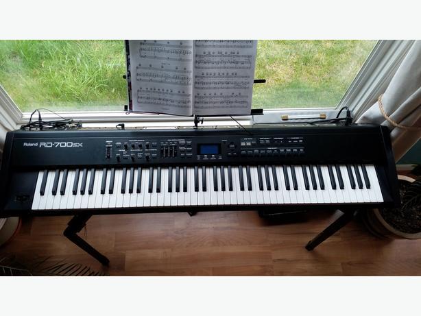 Roland RD700 SX