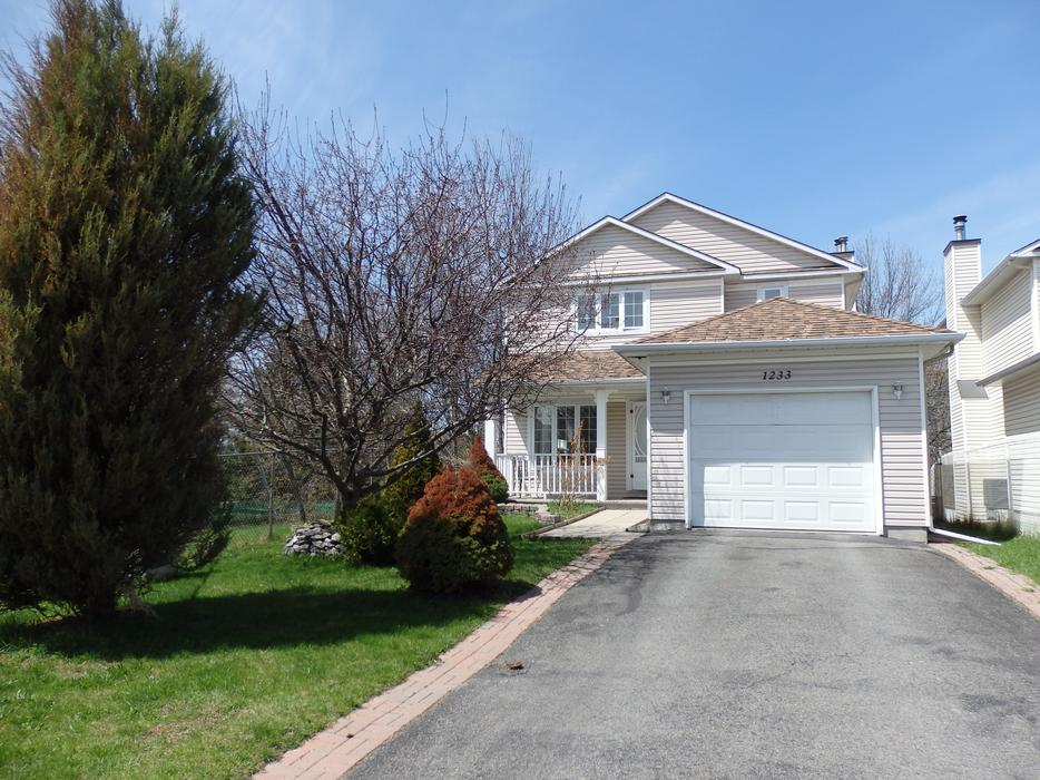 Single home 3 1 bedrms 3 5 baths close to everything for Garage ad orleans