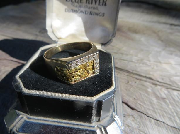 Men's gold and diamond ring