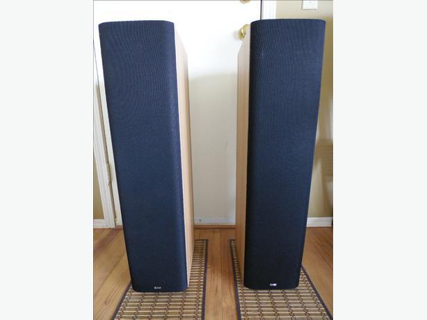 B&W DM602.5 S3 Floorstanding (REDUCED from 500)