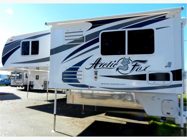2016 Arctic Fox 992 - With Fox Landing! Rugged and ready for your next