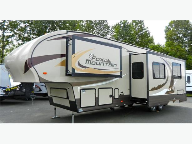 2016 Fox Mountain 335 BHS - WOW!! Start Living On Mountain Time!! This Beaut
