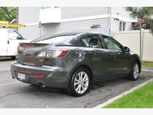 2010 Mazda 3 GT Sunroof! Heated Seats! AC!