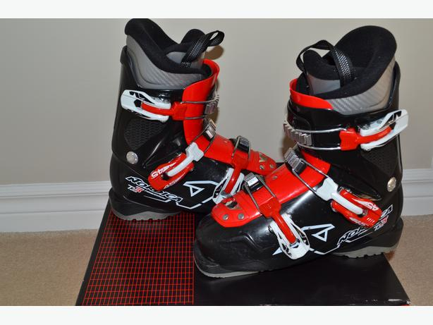 Nordica Junior Ski Boots Black/Red Size 23.5