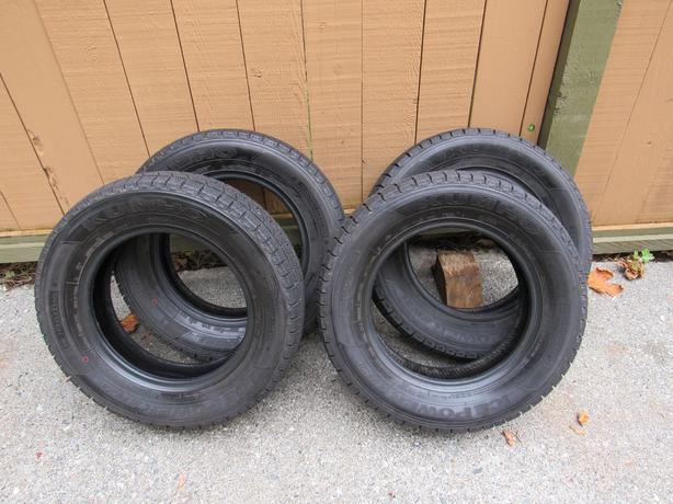 "Set of 4 14"" KUMHO Snow Tires"