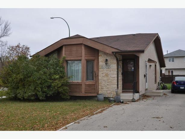 125 Skrypnyk Cres - Professionally Marketed by Judy Lindsay Team Realty