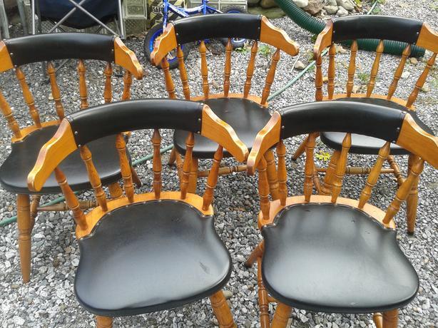 cinq chaises en bois pour set de salle manger montreal On chaise salle a manger en bois
