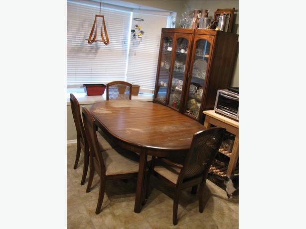 MOVING: DINING ROOM SET (cabinet &/or table with 4 chairs)