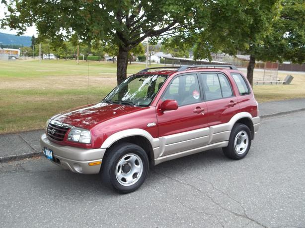 2004 SUZUKI GRAND VITARA 4X4- CALL HART AT 250 724 3221
