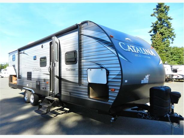 2017 Catalina 293QBCK - Gorgeous Bunk Unit with Beautiful Lay... -