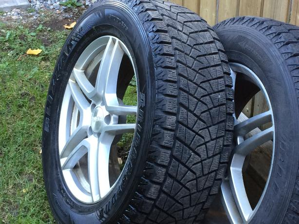 4 winter tires Bridgestone with rim - 4 pneus d'hiver Bridgestone avec rims