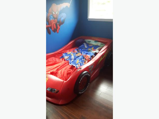 Lightning McQueen kids bed