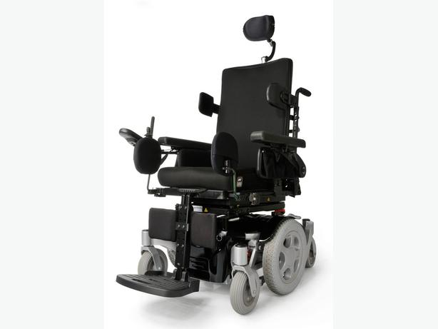 Power motorized wheelchair quickie pulse 6 reduced
