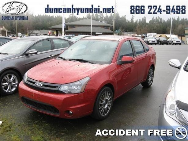 2010 Ford Focus SES     Great On Gas, Loaded With Features
