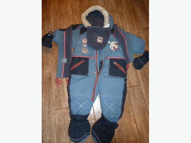 Beautiful Deux par Deux one piece snowsuit and accessories.