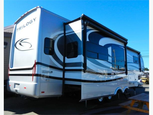 2013 Dynamax Trilogy 3650re Luxury Residential Fifth