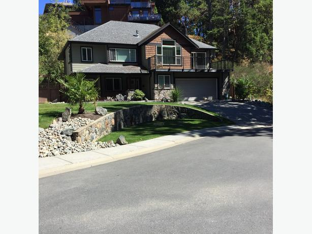 pet friendly 3 or 4 bedroom 2 bathroom house for rent west