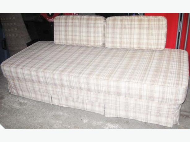 High End Modern Futon With Removable Washable Mattress Cover Esquimalt Amp View Royal Victoria