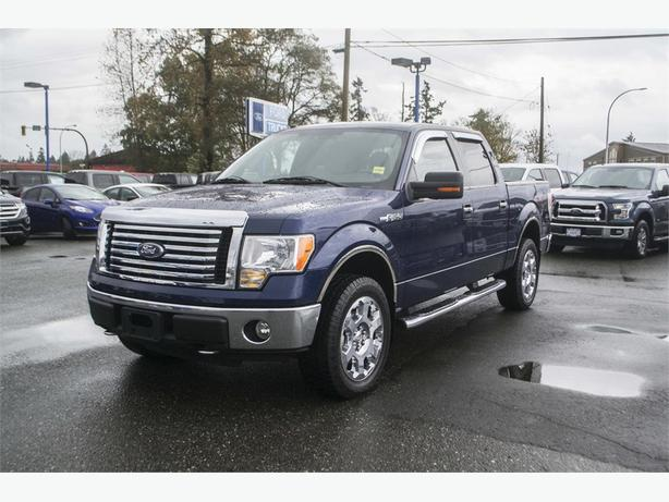 2010 Ford F-150 XLT 4X4   TOW HITCH
