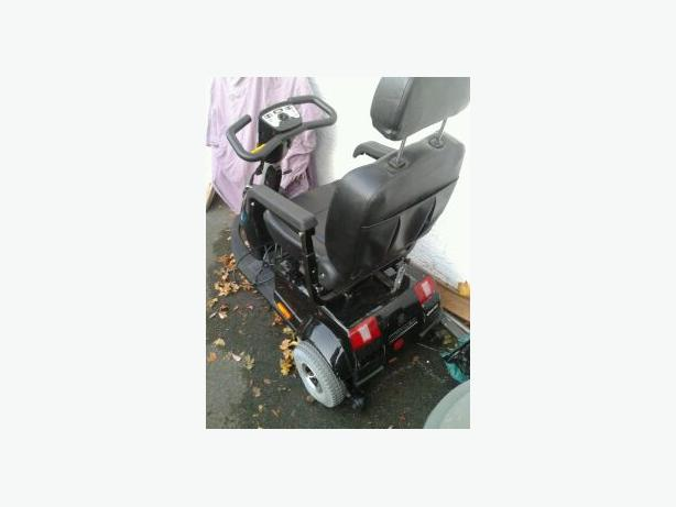 Mobility Scooter  Dual recliner Dental Chair