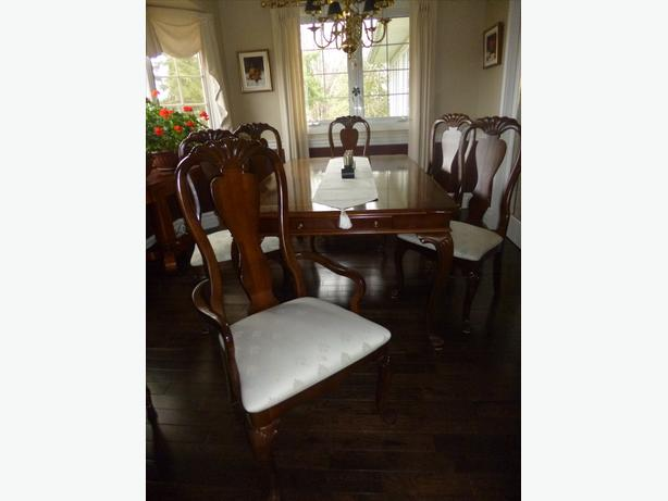 cherry wood american drew dining room set kanata ottawa
