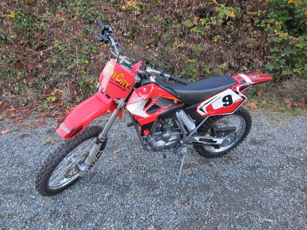 2010 SKYTEAM ST 200 Dirtbike Like NEW L@@K!!