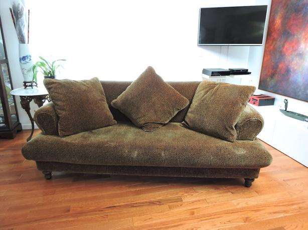 Chameleon sofa qualicum nanaimo for Meuble corbeil montreal