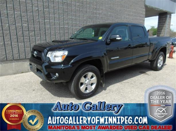 2015 Toyota Tacoma *Low Kms!