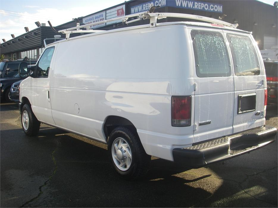 2008 Ford Econoline E 150 Cargo Van With Roof Rack Outside
