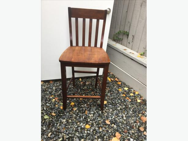 3 Solid Maple Bar Stools Central Saanich Victoria